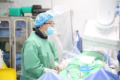 蚌埠二院胸痛中心联手ICU完成呼吸机支持下的急性重症心肌梗死PCI术