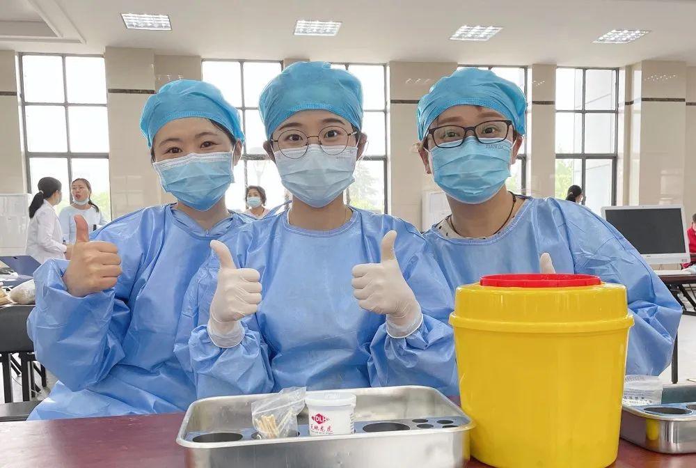 蚌埠负责新冠疫苗接种的护士有多忙?一天推针三四百次...